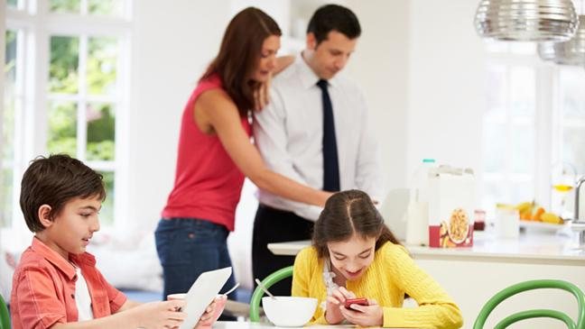 buying-your-child-a-mobile-phone-136394879116203901-141209112810